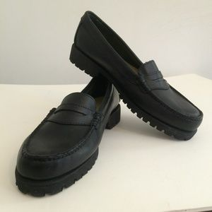 Weejuns Black Penny Loafers, SZ 8.5, VGC